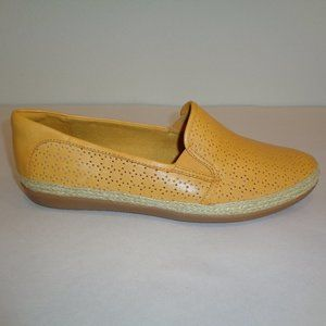Clarks Size 9 W Wide DANELY MOLLY Yellow New Shoes